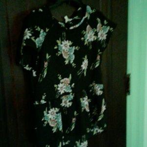 Tops - Pretty short sleeve blouse.